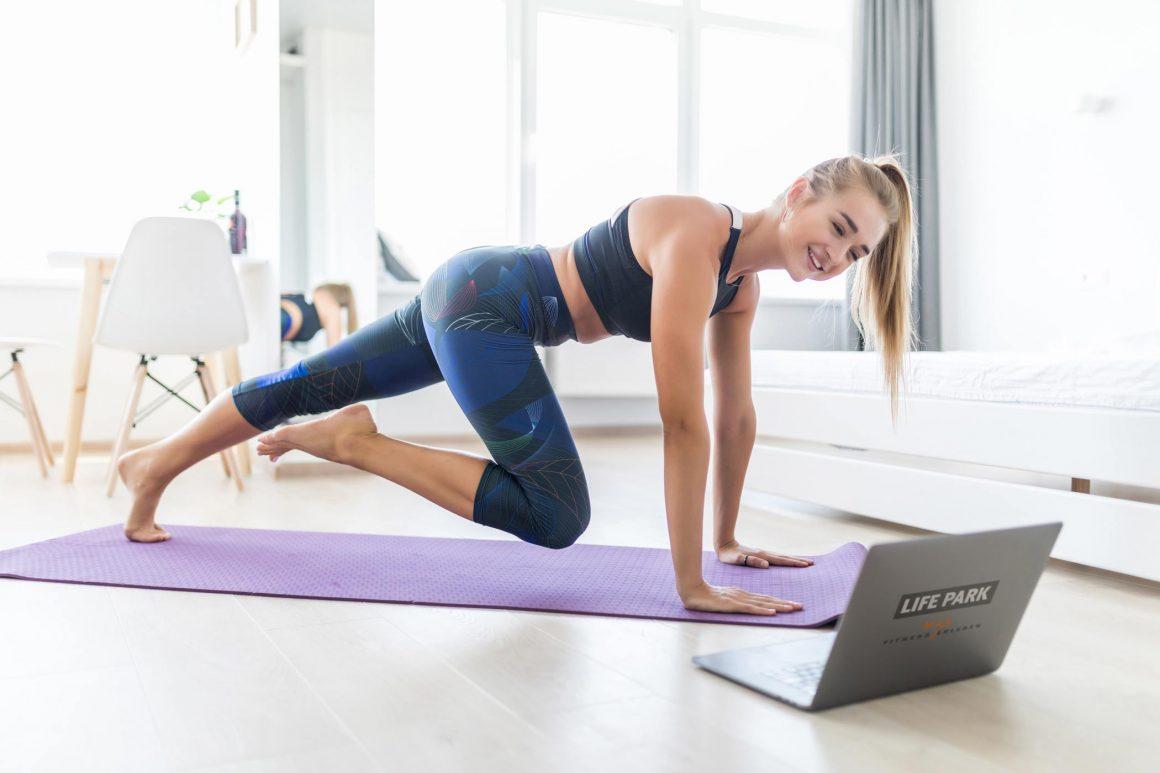 LIVE und DIREKT — Gemeinsam Fitness erleben mit unserem Online-Programm.